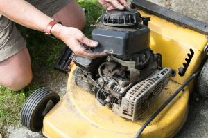 How To Clean Lawn Mower Carburetor?