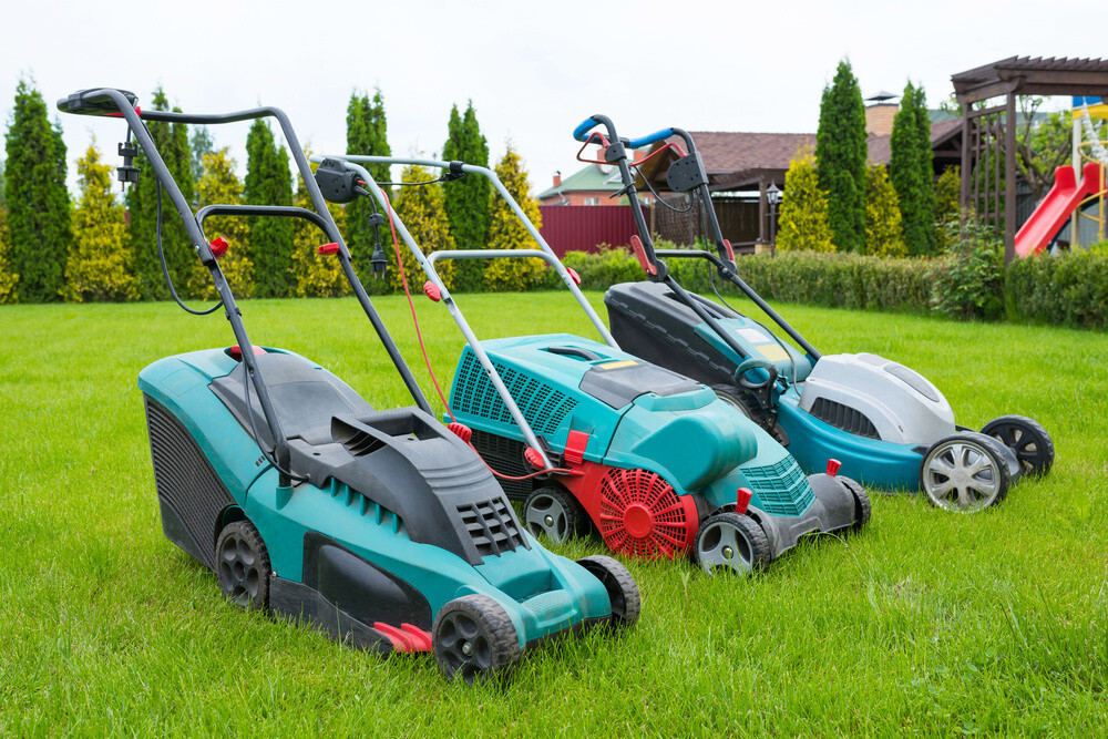 How Do Electric Lawn Mowers Work?